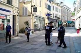 Police Battle Uptick of Unrest in Locked-Down Paris | Voice of ...