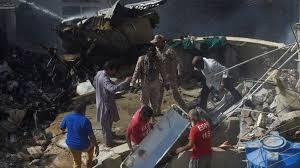 Pakistan International Airlines passenger plane crashes in Karachi ...