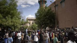 Mali opposition declares 'truce' as regional leaders prepare for ...